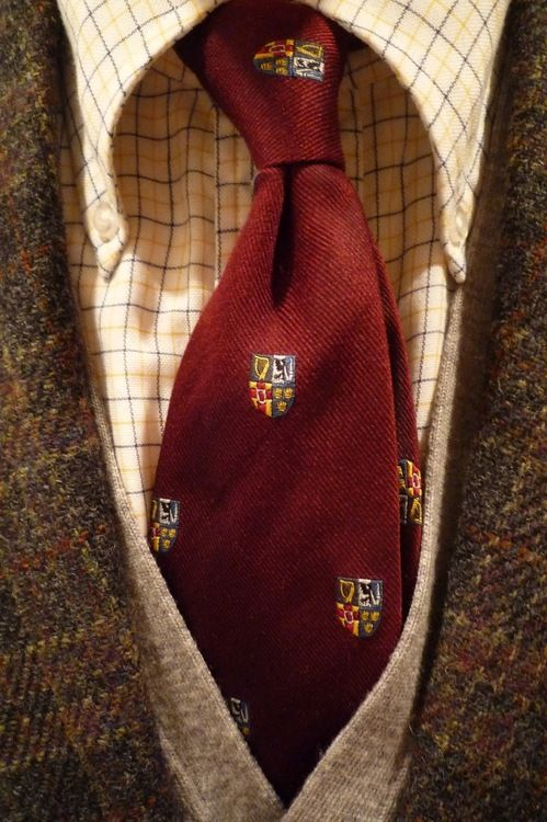 heavytweedjacket:  Shetland tweed Thursday with a Brooksweave tattersall & a Press tie.