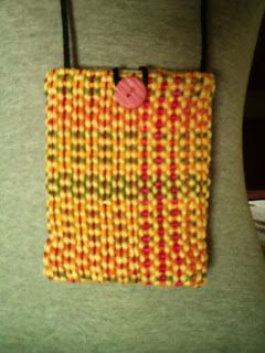 lã&Cia        : Mini bolsas de tecelagem manual