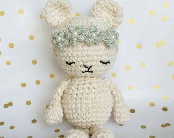 Crochet oso real pequeño / pequeña corona por sideprojectsdesign