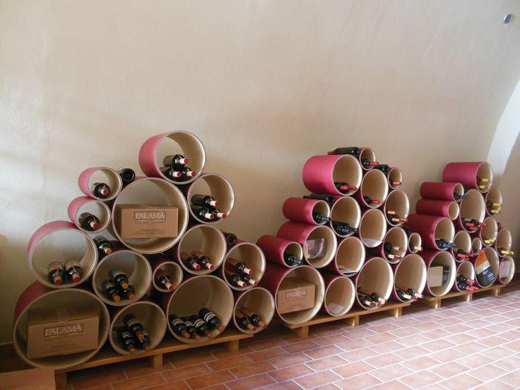 #Arredamento #enoteca con #portabottiglie di #design Esigo 8. --- #Wineshop #furniture with modern #eco-friendly #winerack Esigo 8