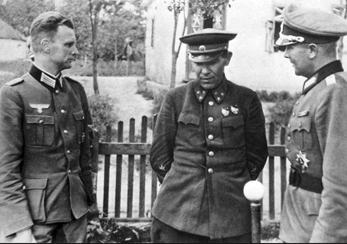 Ivan Muzychenko, a Ukrainian general officer, standing ...