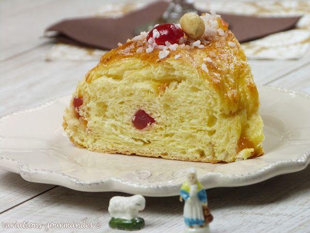 BRIOCHE AUX FRUITS CONFITS (Pour 8 P : 300 g de farine, 1 pincée de sel, 15 g de levure de boulanger, 80 g de lait tiède, 3 c à s de fleur d'oranger, 2 œufs, 120 g de beurre mou, 50 g de sucre, 60 g de fruits confits, zeste d'1 citron) (DECO : gelée de coing, sucre perlé, fruits confits)
