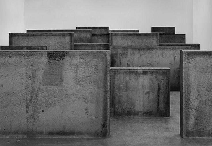 Richard Serra @Gagosian Gallery Intervals, 2013 Weatherproof steel, 24 plates Photo by Tom Powel