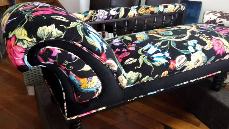 Showstopper chaise