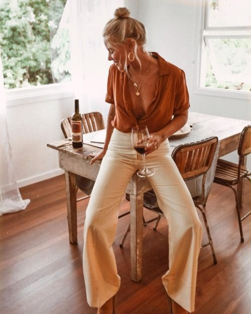 Love this look. Almost ready to break out the wide leg pants again! So casual and cute, but accents your tush!!