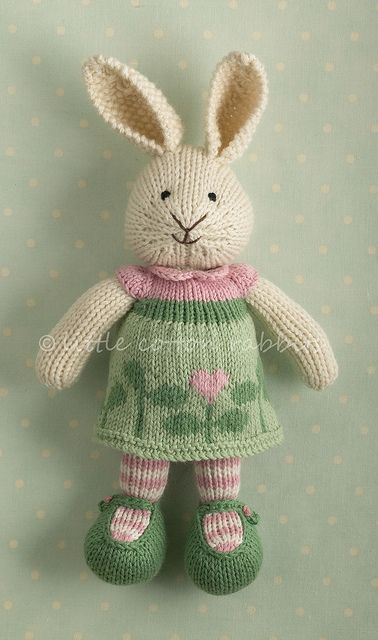 267 different knitted bunnies and other animals! Adorable designs on all the outfits. ♡