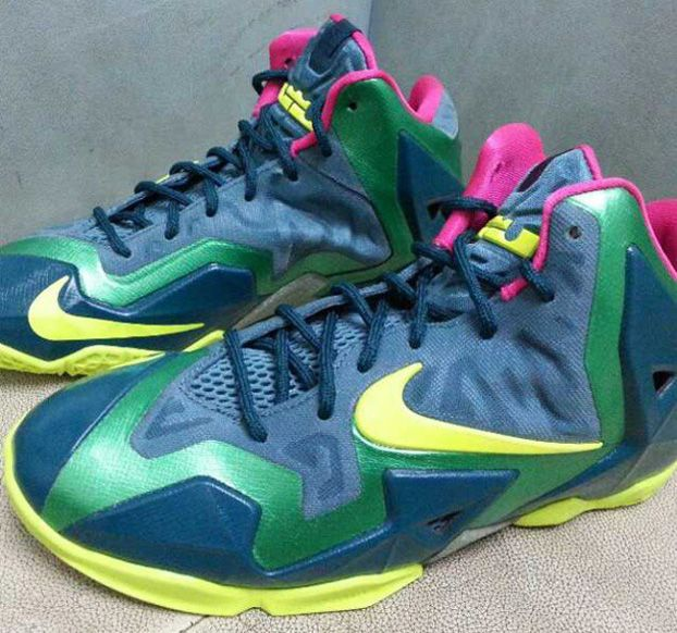 Here is a look via sneaker gaga at a pair of Nike LeBron 11 XI GS Green/  Volt / Pink Sneakers, definitely a interesting color combo.
