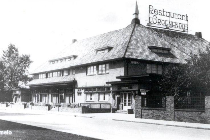 In Almelo konden de inwonersaanvankelijk voor het bijwonen vaneen theater- en toneelvoorstellingenop een tweetal plaatsen terecht.Allereerst was er 't Groenendal aan deWillem de Clerqstraat.'t Groenendal was voor veelAlmeloërs een begrip. Velen zullen hetnog gekend hebben als de uitspanning't Joostman. In 1932 brandde het gebouw af. Kort daarna werd hetherbouwd door de NV BierbrouwerijOranjeboom die het, het 't Groenendalging noemen.