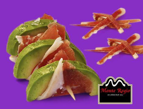 ¿Un aperitivo delicioso y fácil de preparar? Aguacate con jamón ibérico #MonteRegio ¡De 10!