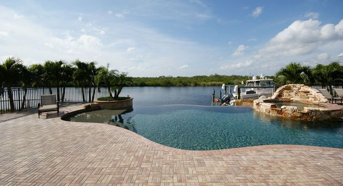 Catch some of the Florida sun relaxing by this breathtaking view- villa Cape Coral 5
