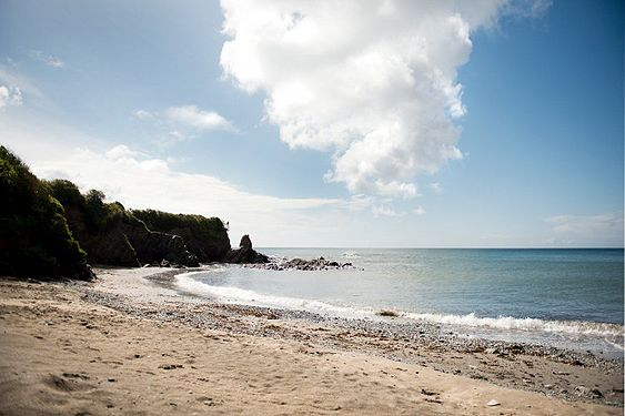 Find family static caravans, lodges and holiday park homes for hire and available to rent at Killigarth Manor caravan site near Polperro in Cornwall