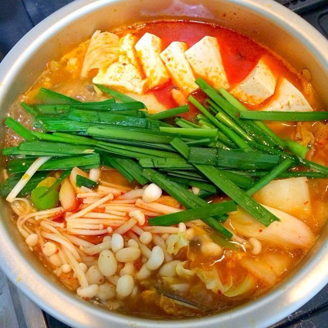 暑いけど、辛い鍋を! - 12件のもぐもぐ - 豚キムチ鍋 by asamisaitoGft