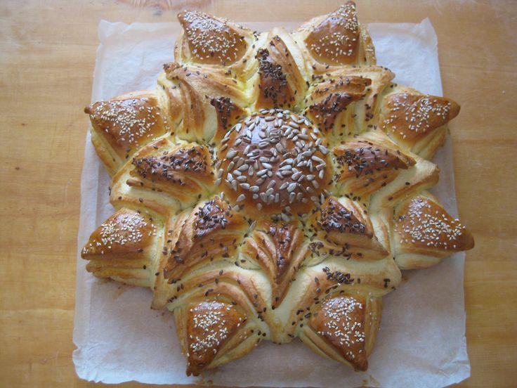 http://www.limarapeksege.hu/2012/04/napraforgo-kalacs.html