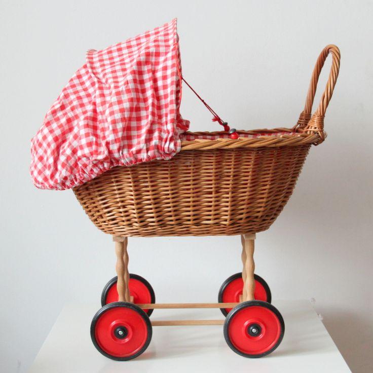 Vintage Korb-Puppenwagen rot kariert