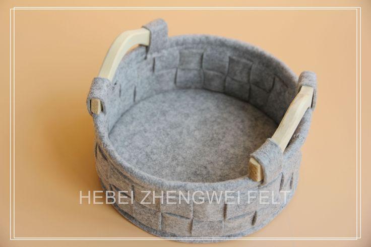 $5 Fashion design wooden handle felt storage basket