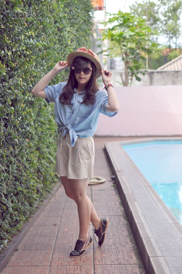 Indonesia Blogger Stevia Indrawan wearing her Chocolate Patron