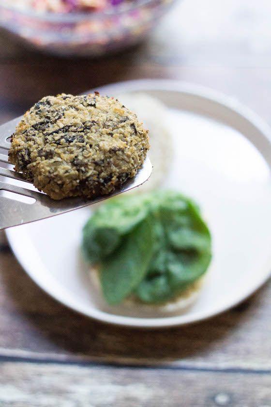 Mushroom Cauliflower Vegan Burgers (vegan, gluten-free, low carb) via ...