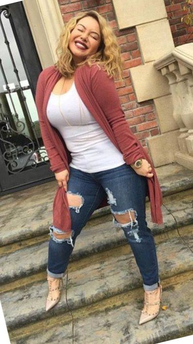 Hair & Make-up Chiquis janney Rivera fashion love jeans role model heels Bar Outfits, Casual Work Outfits, Cute Outfits, Curvy Girl Outfits, Plus Size Outfits, Girl Fashion, Fashion Outfits, Womens Fashion, Love Jeans