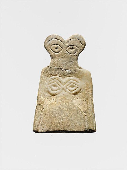 Eye idol, Middle Uruk, 3700-3500 BC, Syria, gypsum alabaster.