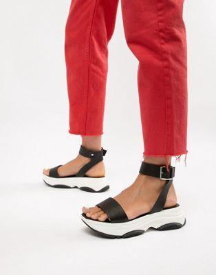 2d3290f5ce DESIGN Fencer chunky sporty flat sandals | ASOS | Asos, Flat sandals ...