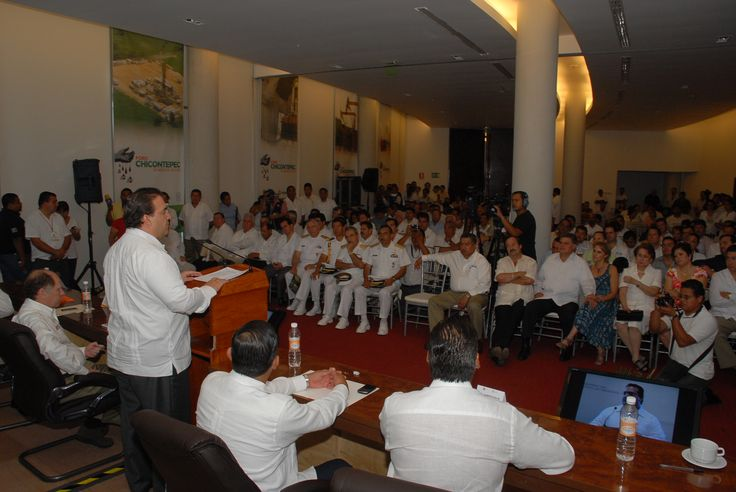 """Javier Duarte: """"En esta suma de esfuerzos de los tres órdenes de gobierno está la clave para el desarrollo y la prosperidad""""."""