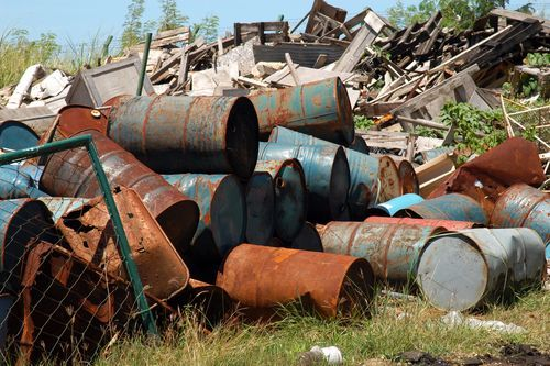 Definição de Resíduos Sólidos, disponível em http://www.infoescola.com/ecologia/definicao-de-residuos-solidos/