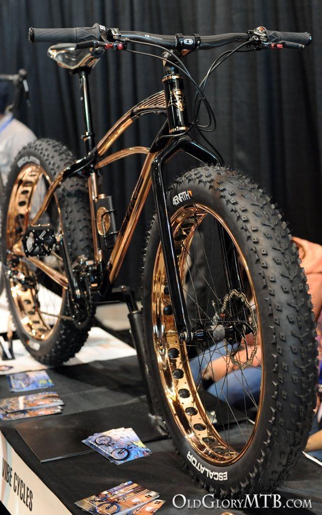 Fat bike bling, hay que tener 50 kilos de musculo en cada pierna para mover esta maravilla