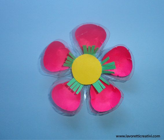 Craft flower with plastic bottle