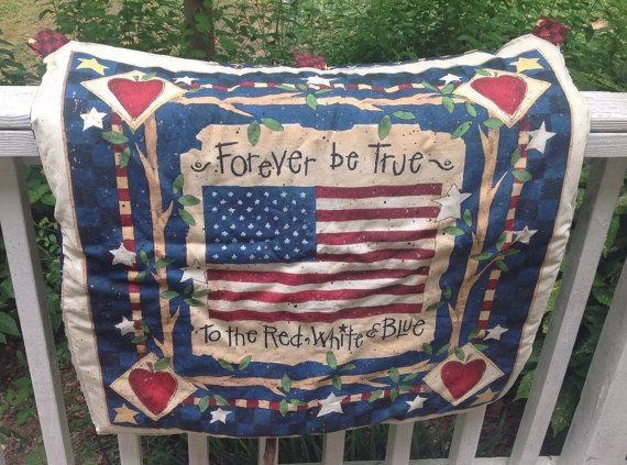 Patriotic lap quilt, patriotic quilted wall hanging, lap quilt, patriotic small quilt