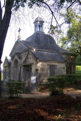 Verdelais Chapelle du début du chemin de croix