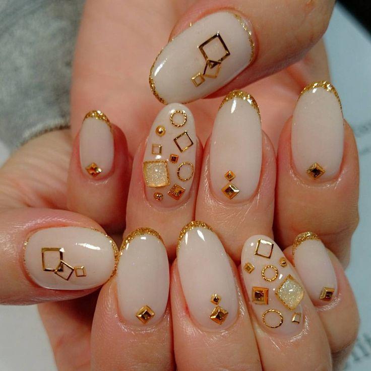 いいね!121件、コメント20件 ― maiko◡̈✧さん(@glitter_maiko)のInstagramアカウント: 「*お客様nail うるつやぷるるん✨✨ * #nail #nails #nailart #gelnails #nudy#simple #glitter #stone #cool #cute…」