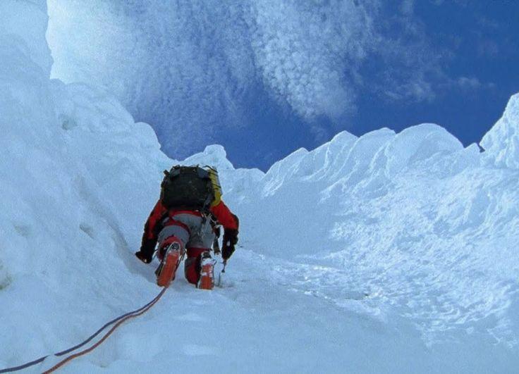 Tocando el vacío  // 6 películas de alpinismo que te subirán a las alturas.