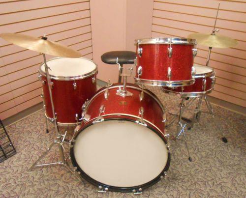 rare vintage pearl lyra drum kit made in japan 60s era red sparkle surf set surf vintage. Black Bedroom Furniture Sets. Home Design Ideas