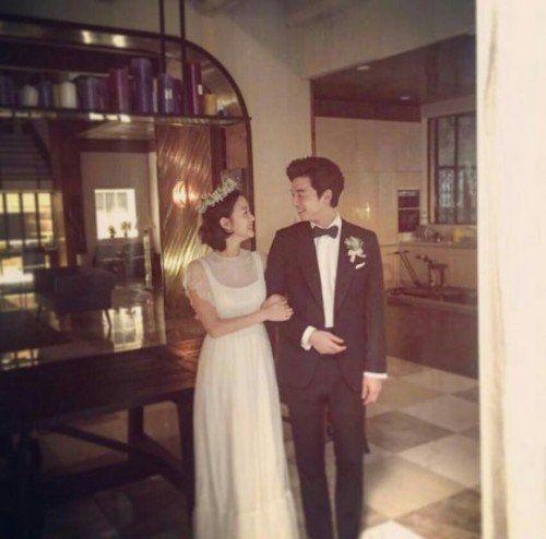 """Goblin"" Kim Go-eun-I and Gong Yoo's wedding cuts @ HanCinema :: The Korean Movie and Drama Database"