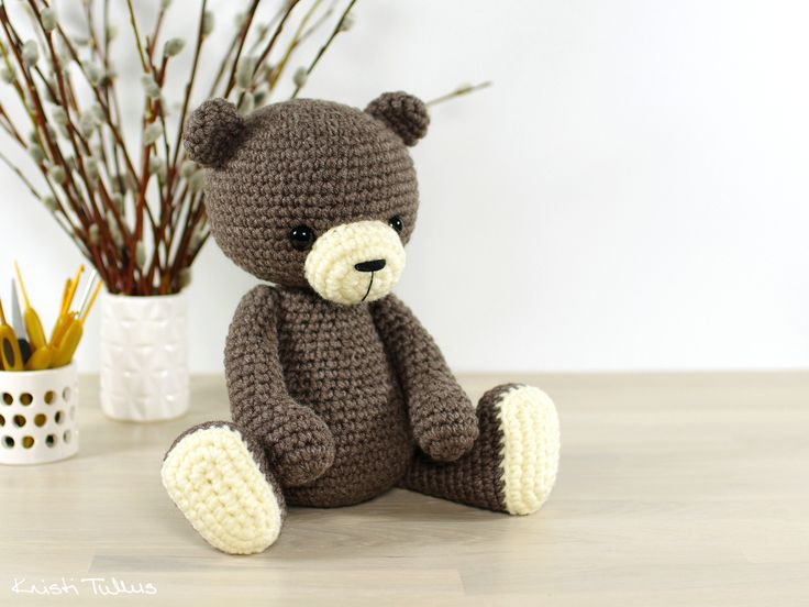 Crochet pattern: 4-way jointed teddy bear // Kristi Tullus (spire.ee)