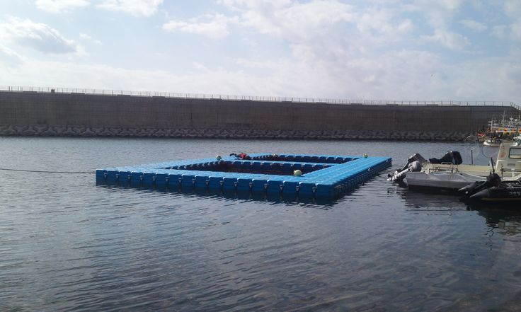 It is floating fishery farm in Korea with our NEXT PONTOON. Compare to others, it is much cost-efficiency and time-saving. Any question, ask us! 수상양식장으로 그 어느 제품보다 빠르고 견고하며 저렴하게 양식장을 만들수 있는 최고의 장점을 가지고 있습니다.