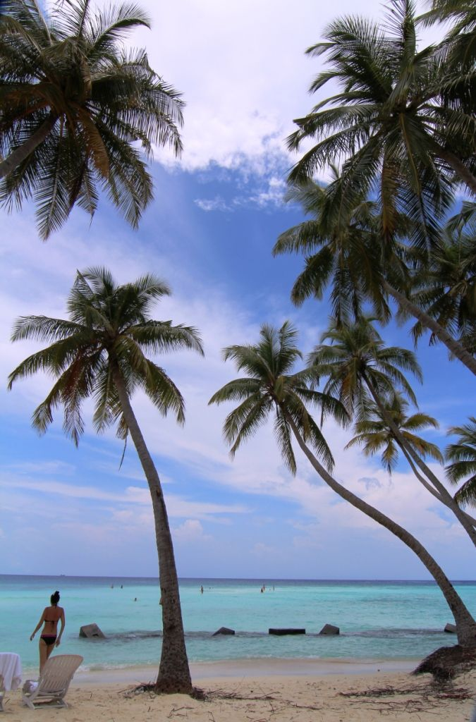 maafushi beach 2