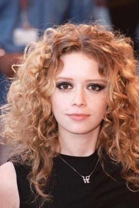 natasha lyonne - Google-haku She could be a Starfleet Officer and/or a Bohemian style alien