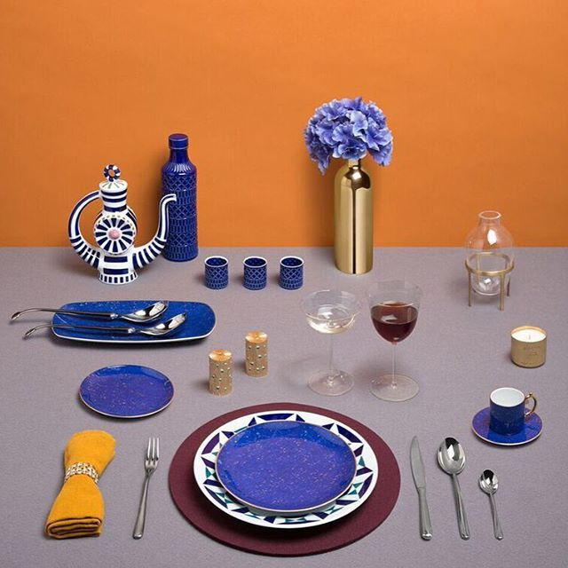 Rhapsody in blue. Jazz up Thanksgiving with azure-toned tableware. Discover more at www.store.wallpaper.com