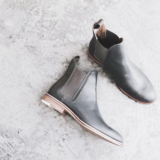 chelsea boots #everlane