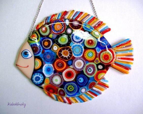 Panel Cosmic Fish wird von Hand in der Technik der farbigen Glasverschmelzung hergestellt. Über 5-6 …   – Glass fusing projects
