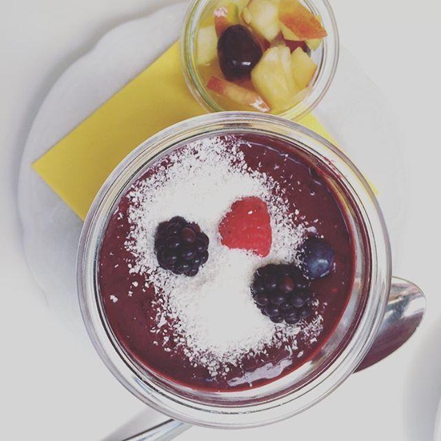 Hmm ein leckeres Frühstück in #münchencity im Cafe Jasmin. Noch mehr Cafés & Restauranttipps München gibt es hier: http://vegaliferocks.de/vegan-essen-muenchen/