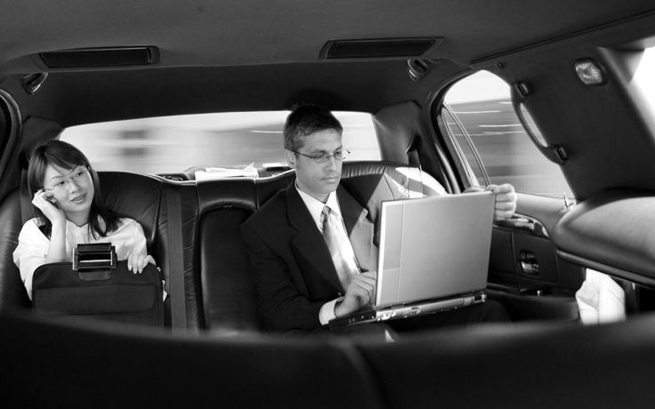 Premier Black Car Service in Newark Airport, book your airport car service with Daisy Limousine www.daisylimo.com
