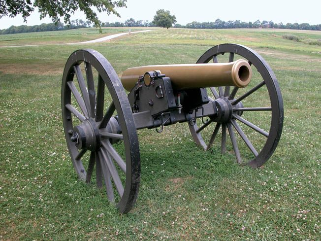 This gun-howitzer became a mainstay of the Union artillery