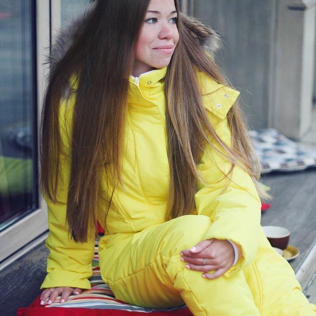 Наша мечтательная романтичная красотка в #kaa_лимонныйсорбет 💛 . 💥Смотрите, правда же она как Русалочка, которая распустив свои волосы рыжие, мечтала о принце?🙄 Только вот в каамбезе-то мечтать сподручней оно как-то! И попе на камушках сидеть тепло, и водичку мембрана не пропустит. Сиди себе, улыбайся, никаких проблем👌 Да и прынц мимо точно не пройдет - это ж слепым на плюс 15 быть надо, чтобы такую яркую красоту не заметить!😎😂 💥Эх, Ариэль, Ариэль...Вот была б ты умной девахой - тоже…