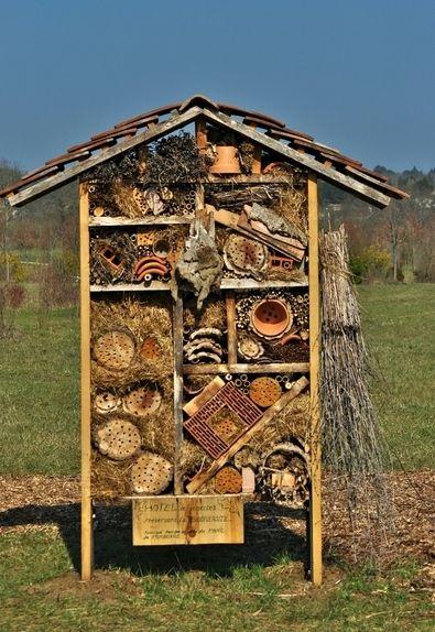 h tel insectes parc de pombonne bergerac hotel. Black Bedroom Furniture Sets. Home Design Ideas