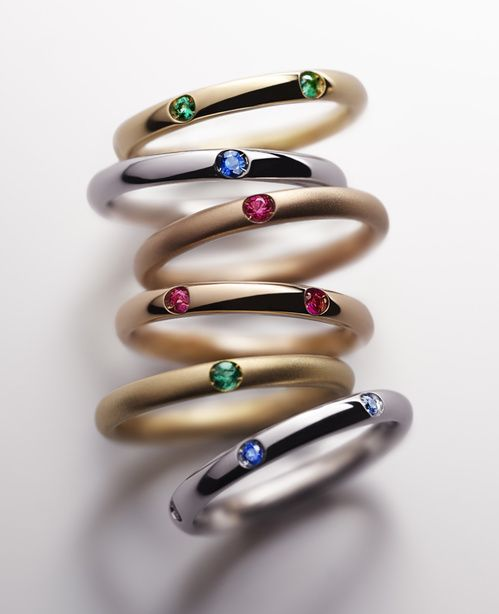 Do as the Milanese do, with a new stack of fine rings, studded simply with sapphires, emeralds and diamonds.  With a blend of materials on structured lines, Pomellato is going back to its roots in Milan, the city where it was born in 1967. An alliance of chain, rose gold ribbon, twisted lines of white gold, and openwork is spiced with Pomellato's signature colored stones for endless combinations and unique stacks of rings