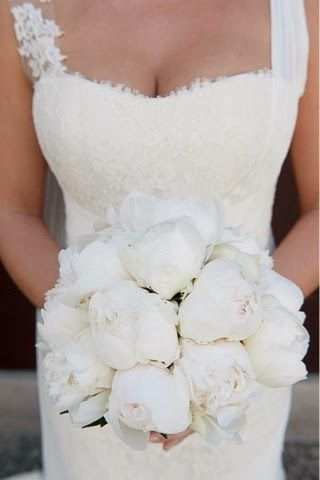 Wedding Flowers by Brisbane Florist ~ Romantica Floral Design: Anthony and Casey's Urban Summer wedding ~ Elixir Bar, Fortitude Valley ~ classic white peonies bouquet