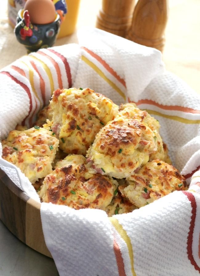 These Loaded Ham and Cheese Breakfast Biscuits are a fast family favorite because they are easy to make and portable, which make them the perfect grab and go breakfast – especially when we travel. They'️re also a great brunch menu item. Same great taste as a layered breakfast biscuit with all the components baked right into the biscuit!