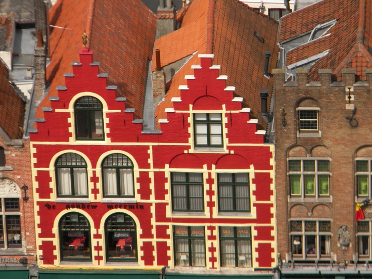 I just love those colorful buildings in Belgium